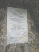 Immagine: Lapide con l'Ode a Kesselring all'esterno del Museo