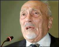 Immagine: il rabbino Elio Toaff - foto 2001